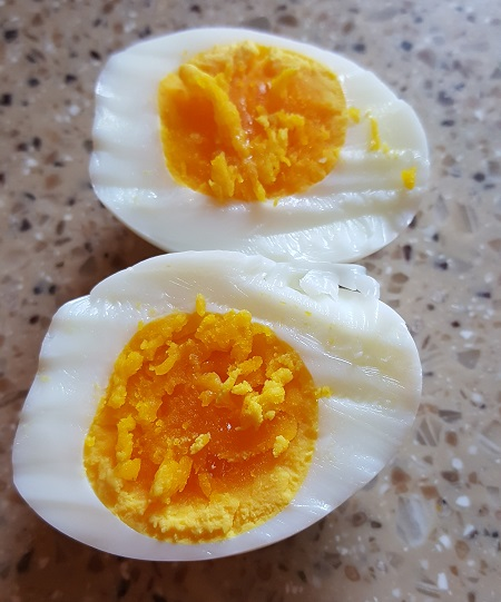 How to Cook a Perfect Hardboiled Egg. And Peel it too!